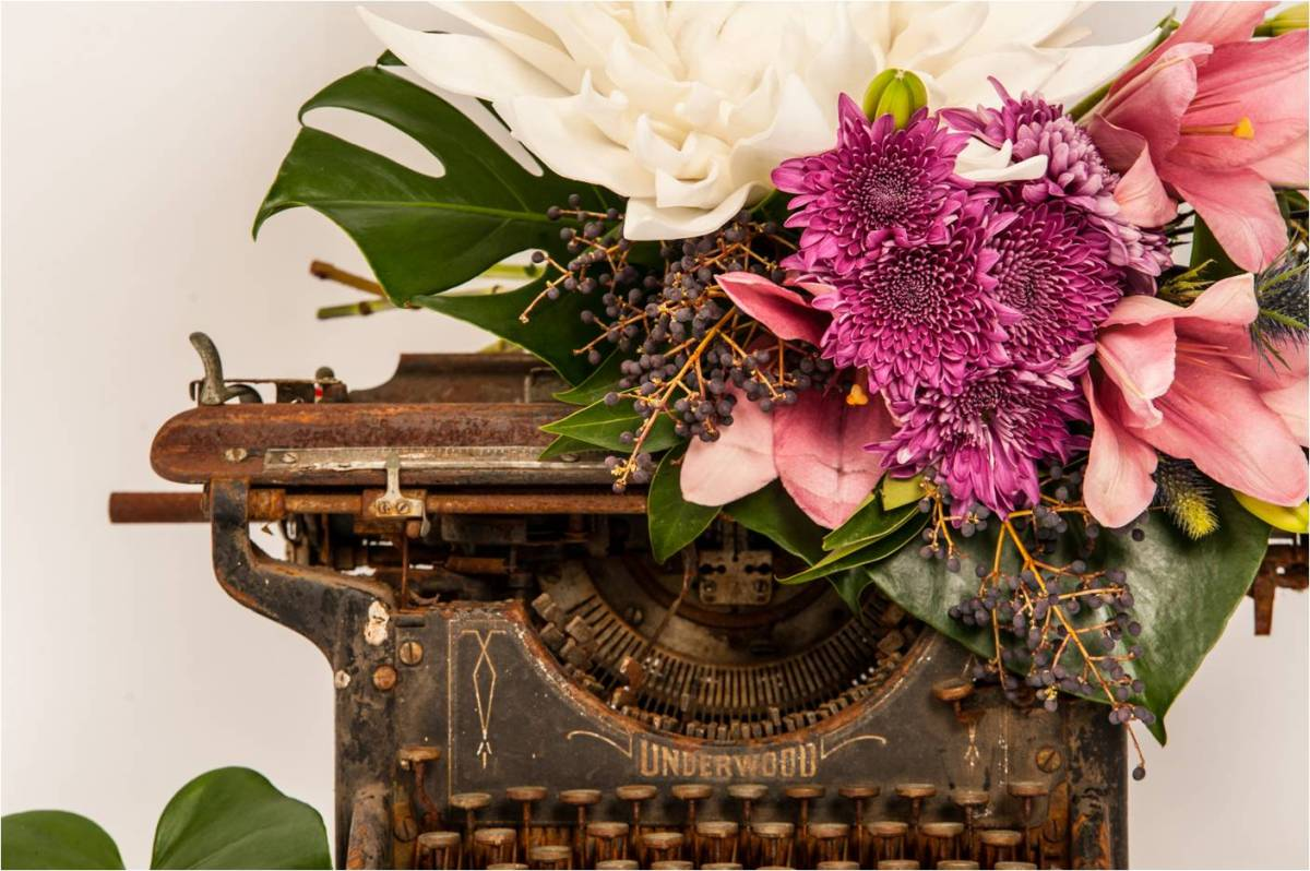 Top 5 Ways To Use a Vintage Typewriter at Your Wedding