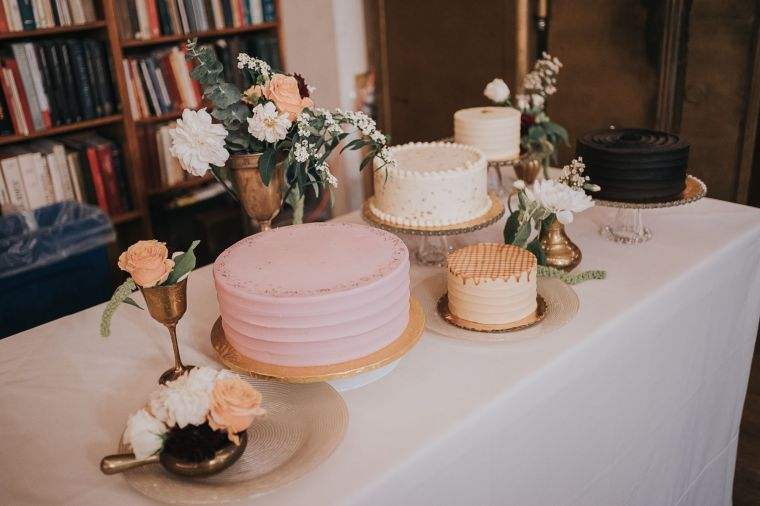 rent vintage cake stands - photo by ryan muir