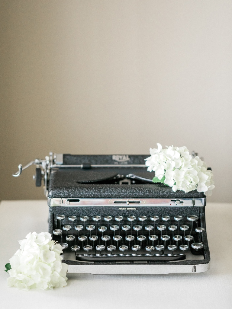 rent vintage typewriters westchester ny